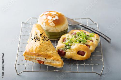 Fotografía  Savory red bean, pork and green onion pastries