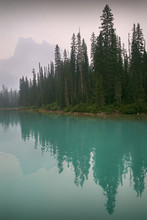 Emerald Lake, Yoho Park, Canad...