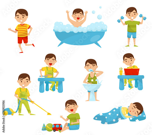 Photo  Daily routine of cute boy set, kids activity, boy doing sports, taking bath, hav