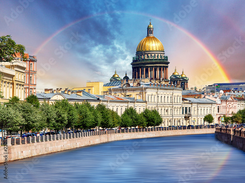 Deurstickers Centraal Europa Saint Isaac Cathedral across Moyka river, St Petersburg, Russia