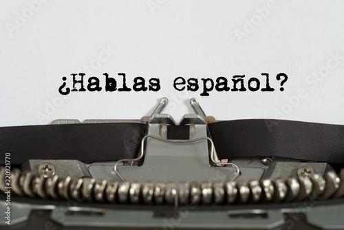 Eine Schreibmaschine und Frage Sprechen Sie Spanisch