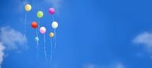 Steigende Bunte Luftballons Am...