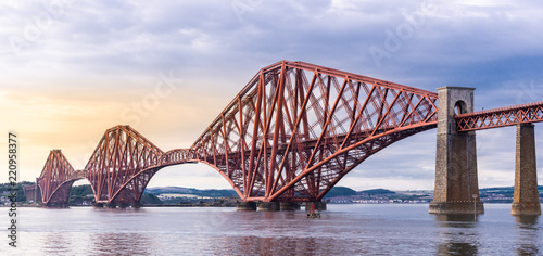 Deurstickers Brug The Forth bridge Edinburgh Panorama