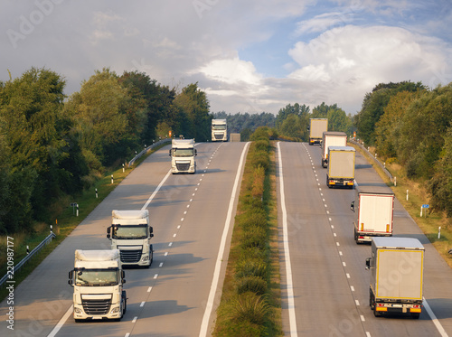 Fényképezés  trucks on the German motorway