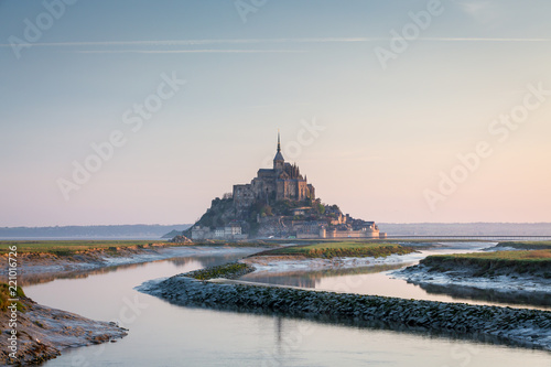 Papiers peints Con. ancienne Famous Mont Saint Michel cathedral, Normandy, France, Europe