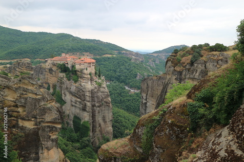 Foto op Plexiglas Khaki View to the Monastery of Varlaam and surrounding landscape, Meteora, Thessaly, Greece