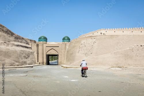 Spoed Foto op Canvas Historisch geb. City walls of the ancient city of Khiva. UNESCO world heritage site in Uzbekistan, Central Asia.