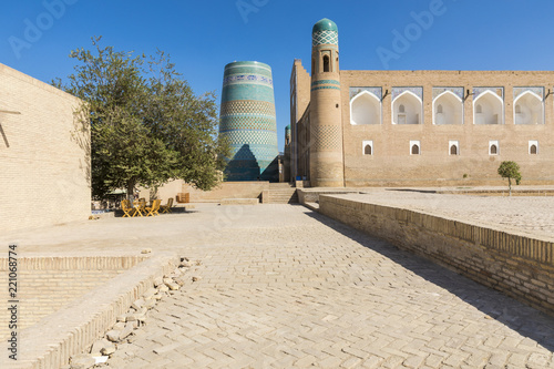 Spoed Foto op Canvas Historisch geb. Kalta Minor minaret in Khiva, Khorezm Region, Uzbekistan