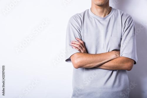 腕組みするアジア人 Billede på lærred