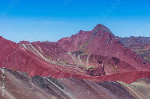 Fotobehang Crimson Montagne des 7 couleurs 3