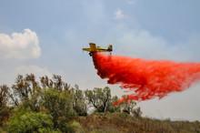 Aircraft Drops Fire Retardant ...