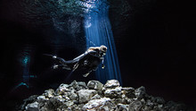 Freediver Cavern Diving, Tulum...