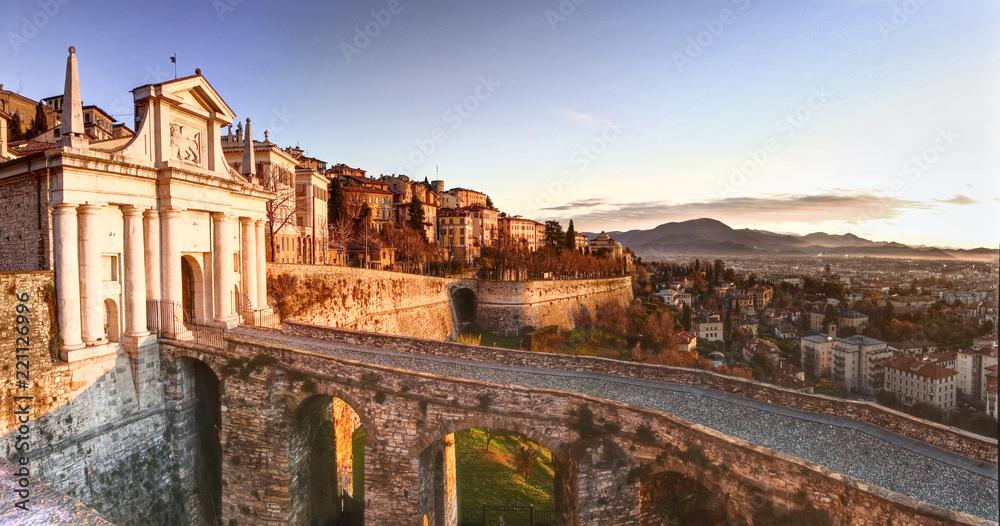 Fototapety, obrazy: Bergamo, Porta san Giacomo, ancient door to the upper town of Bergamo, Italy