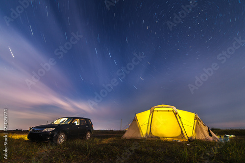 Poster Lieu connus d Asie Subaru Forester at beach camping under stars