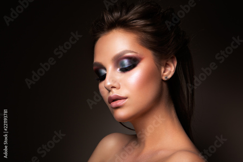 Spoed Foto op Canvas Beauty Close-up of beautiful female face with colorful make-up and lips, eyes closed