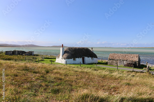 Foto  historische Haus mit Stall, Malacleit, Nord Uist, Hebriden