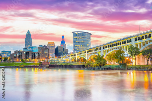 Tuinposter Verenigde Staten View of downtown Cleveland skyline in Ohio USA