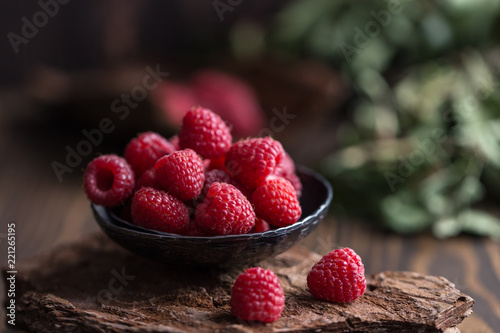 Canvastavla Fresh raspberries background. Fresh raspberry