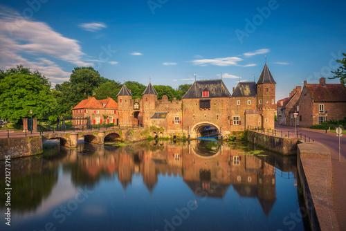 Photo Medieval town gate in Amersfoort, Netherlands