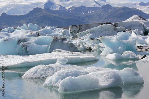 Foto op Canvas Arctica au pied du glacier