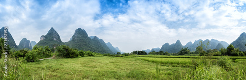 Foto op Canvas Guilin Landscape of Guilin, Li River and Karst mountains. Located near Yangshuo County, Guilin City, Guangxi Province, China.
