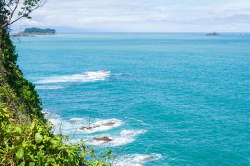 vue sur l'océan avec ilot