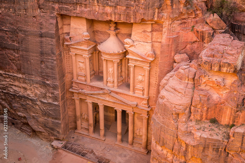 Fotografie, Tablou  Al Khazneh Treasury Ancient City of Petra, Jordan: Incredible UNESCO World Heritage Site