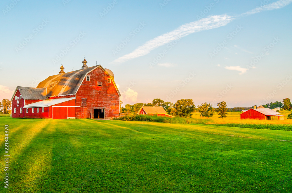 Fototapety, obrazy: The Sun Begins To Set on a Farm in Minnesota