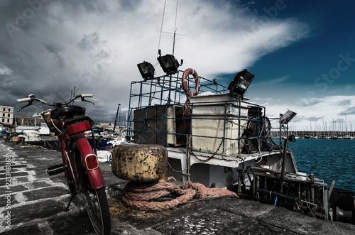 Photo  bike and boat