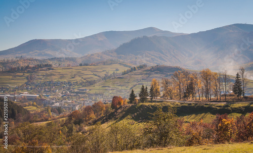 Keuken foto achterwand Honing Landscapes of Autumn Carpathian Mountains
