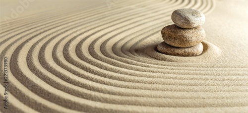 Deurstickers Stenen in het Zand Japanese zen garden with stone in raked sand