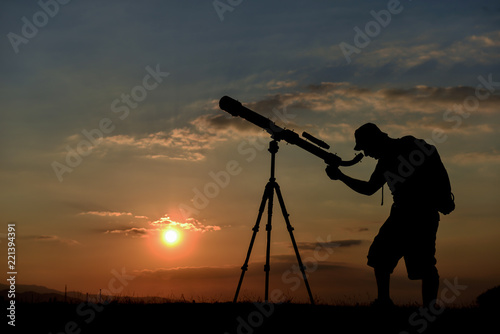 observing the sky, planets and stars with a telescope