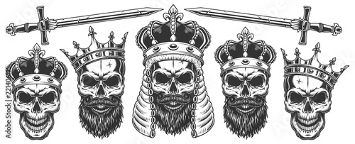 Foto Set of skulls in the crowns