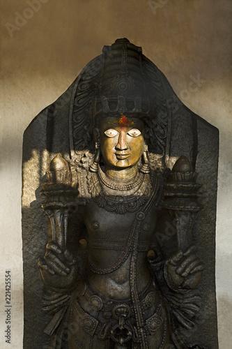 Foto  Guardian temple deity outside virupaksha temple, Hampi, Karnataka