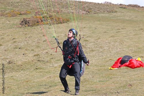 Paraglider ground handling