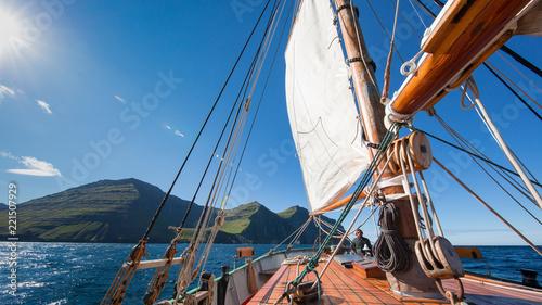Fototapety, obrazy: sailing ship deck on a sunny day