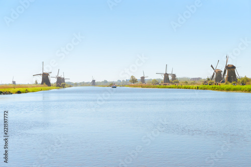 Papiers peints Con. ancienne traditional dutch rural scenery with windmills in Kinderdijk at summer day, Netherland