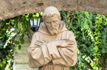 August 29 2018: St. Francis Of Assisi Statue In Colonial Garden In San Gabriel Barrera Guanajuato Mexico.