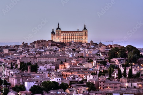 Poster Oude gebouw Panoramic aerial view of ancient city of Toledo from the sunset point, Spain