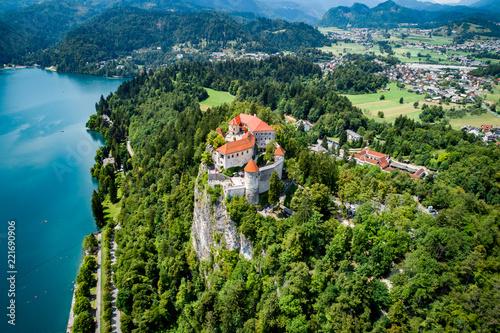 Tuinposter Historisch geb. Slovenia - resort Lake Bled.