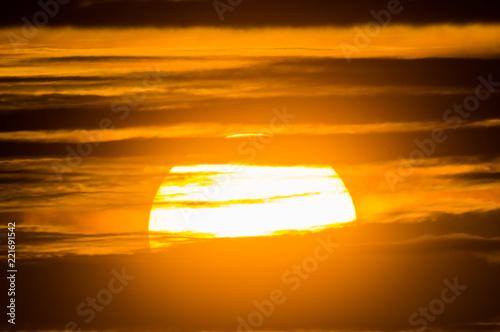 Cadres-photo bureau Orange eclat 雲間に昇る太陽