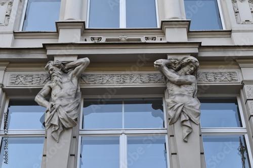 Foto  Sculture in una facciata palazzo - Berlino