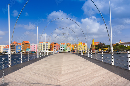 Foto op Plexiglas Caraïben Floating pantoon bridge in Willemstad, Curacao