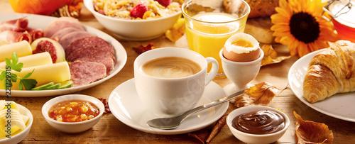 Fotografia Healthy autumn breakfast in a panorama banner