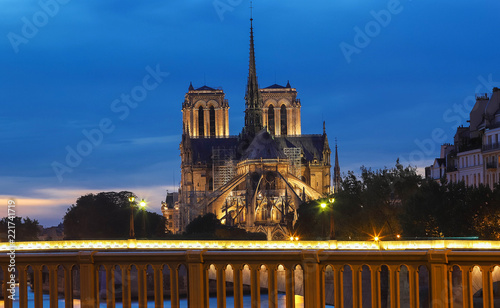 Fotografia The Notre Dame Cathedral in the evening , Paris, France.