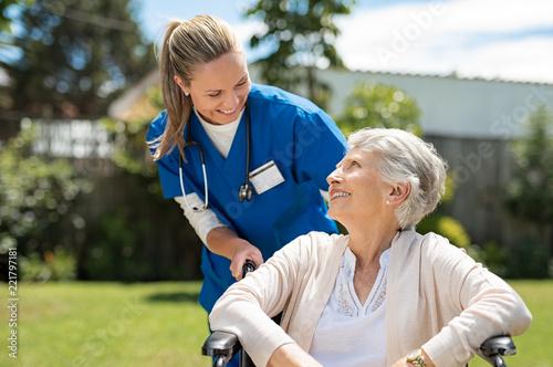 Obraz na plátně Nurse take care of senior patient