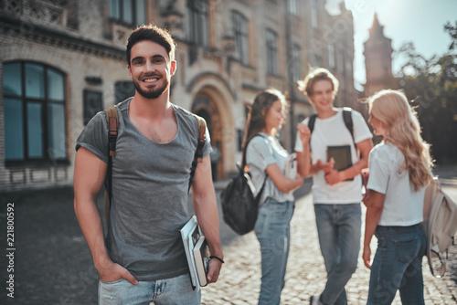 Obraz Students near university - fototapety do salonu