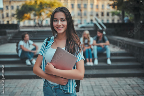 Students near university Fototapeta