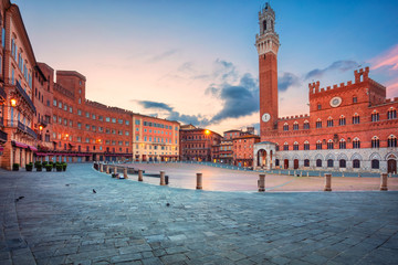 Siena. Cityscape image of Siena, Italy with Piazza del Campo during sunrise.