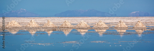 Poster Centraal-Amerika Landen Panorama of piles of salt aligned in Salar de Uyuni (Uyuni salt flats), Potosi, Bolivia
